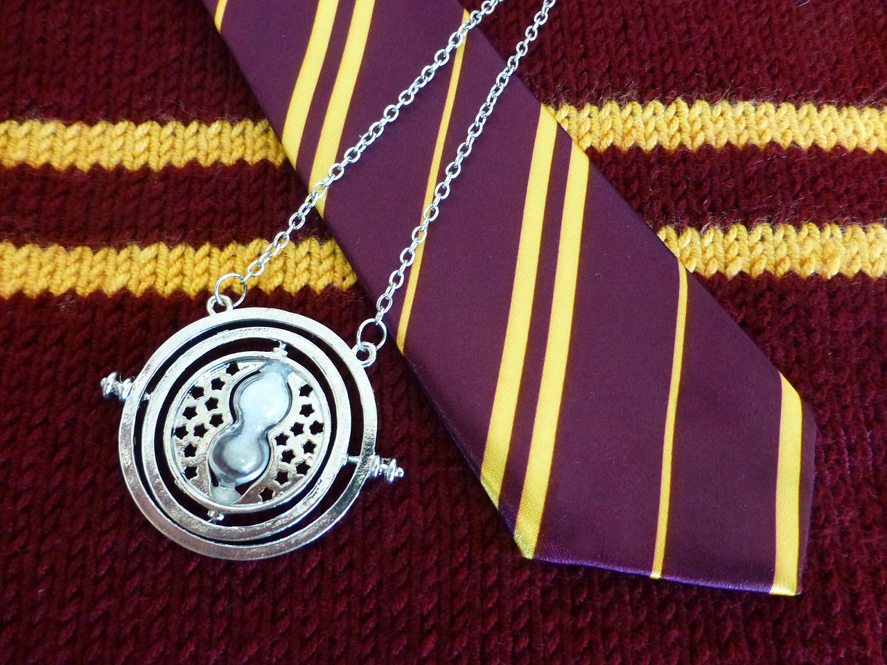gryffindor locket